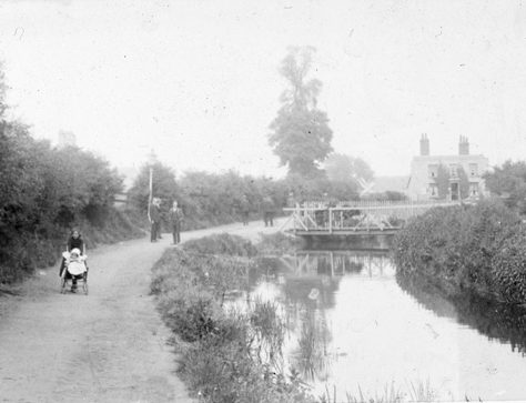 Crayford Waterside, c.1900 | Bexley Local Studies & Archive Centre