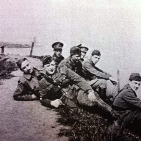 Air crew from 63 Squadron RFC relax by the Thames c 1917 | Kent County Council Dartford Library