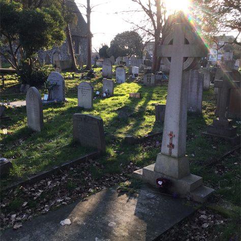 2nd Lt Deighton Simpson's grave by St Paulinus Church, Crayford | Peter Daniel