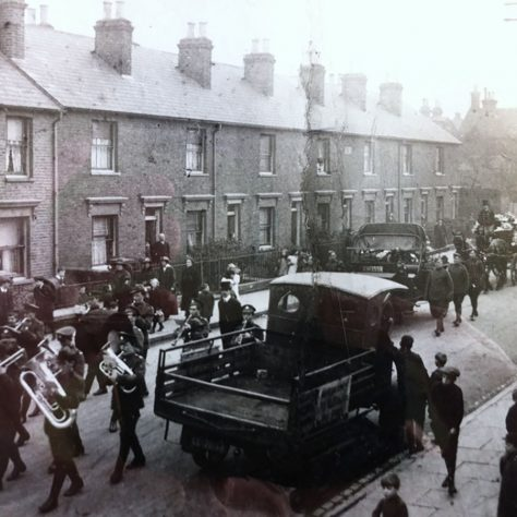 A military band escorts the coffin of an unidentified pilot along Watling Street, Dartford to the Watling Street cemetery | Kent County Council Dartford Library